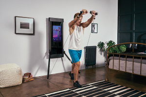 Tonal adds live classes to its strength training workouts – TechCrunch